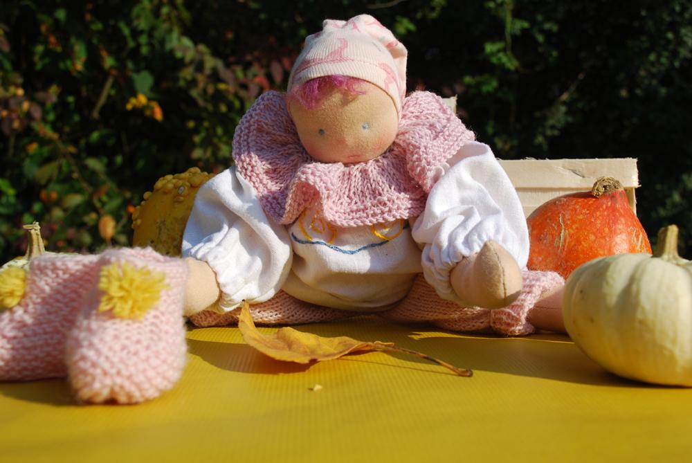 Strampelchen Rosa nach Art der Waldorfpuppe